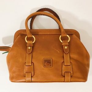Dooney & Bourke Statchel Handbag || Mitchell ||